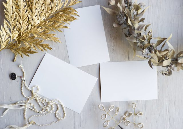 結婚式招待状の返信マナー|LINEはOK?友人・先輩・親戚へのメッセージ文例付!