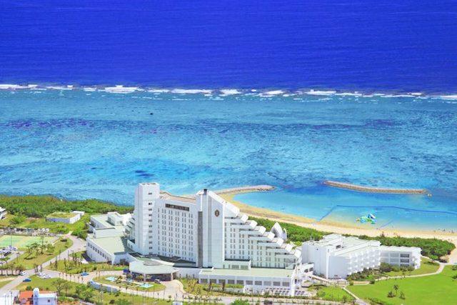 沖縄リゾートウェディング♡ホテルが隣接するチャペルまとめ