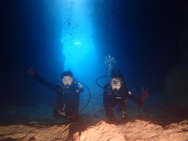 神秘のイルミネーション「青の洞窟」 ♡