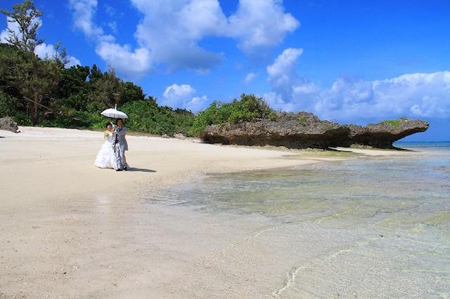 【10周年キャンペーン実施中♡】まったり過ごすリゾートでの1日☆FREEDOMの美ら島ロケーションフォトウェディング