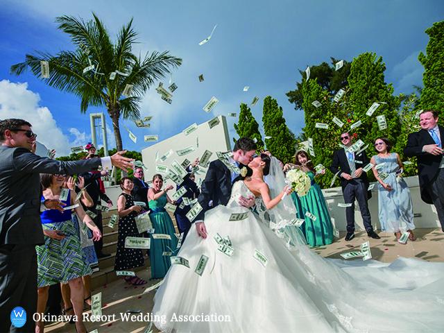 沖縄の結婚式はご祝儀相場は1万円?親族は?地元or県外の場合も解説