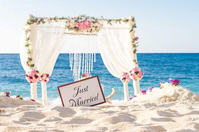 沖縄結婚式(リゾ婚)の魅力を徹底大解説!準備〜費用まで
