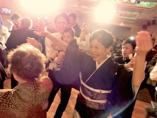 沖縄のウェディングはここが違う!!余興に全力を捧ぐ沖縄の人々!!