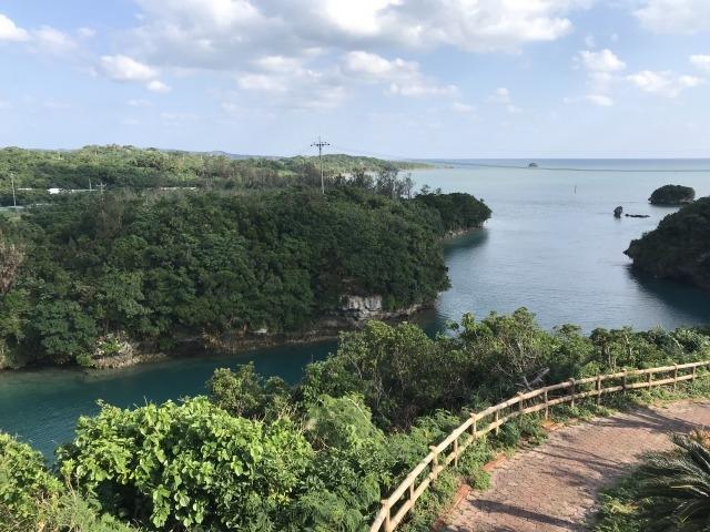 屋慶名海峡:展望台からの景色