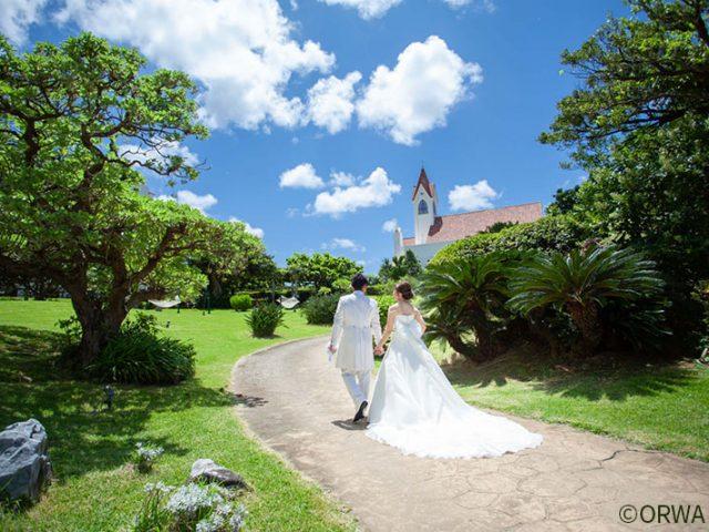 沖縄で結婚式*ふたりだけ&格安ウェディングプラン5つを PICK UP